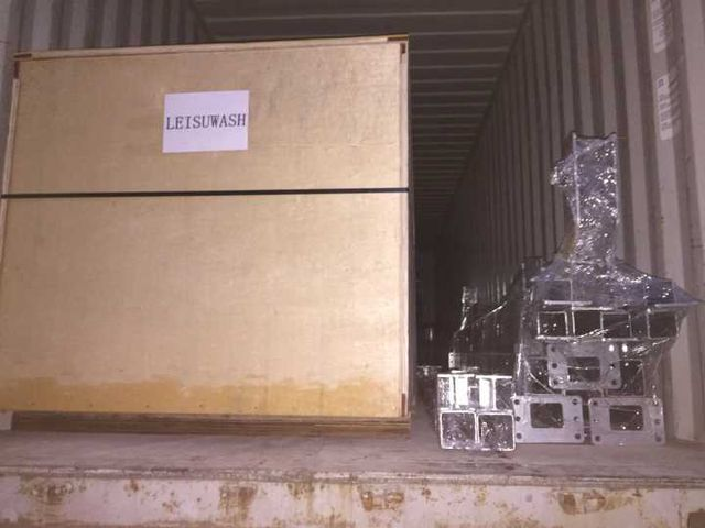 Leisuwash shipment to Bolivia container loading 8