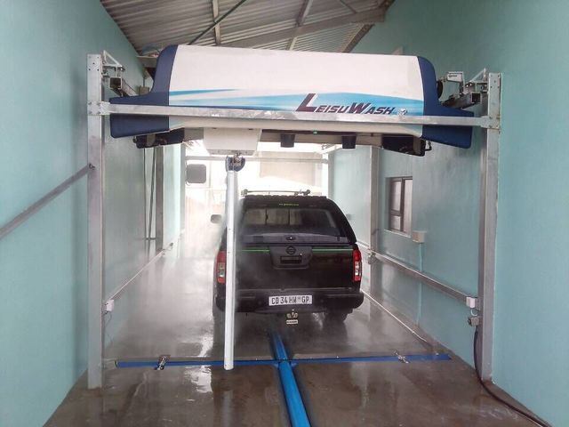 touch free vehicle cleaning