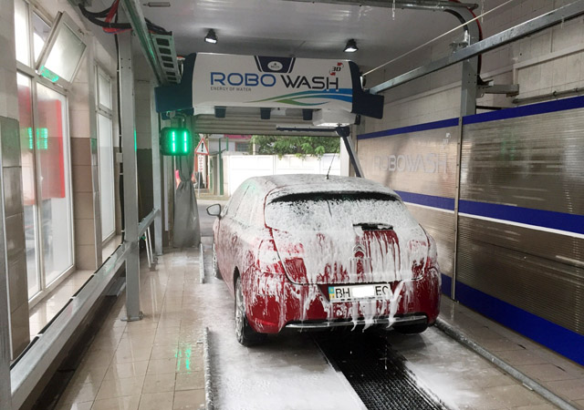 touchless car washing