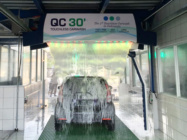automatic car wash with led light