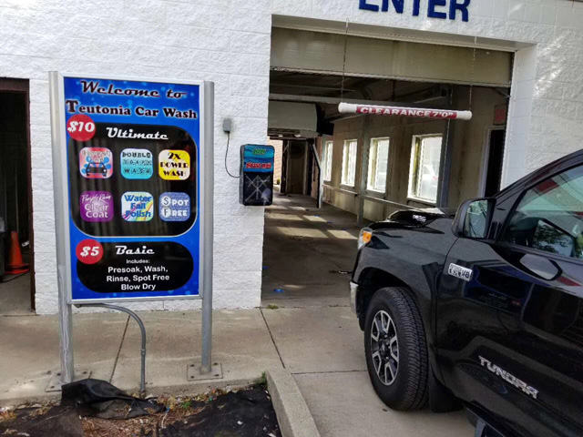 touchless car wash bay