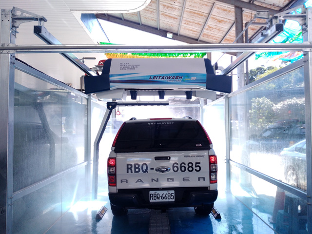high pressure touchless car wash
